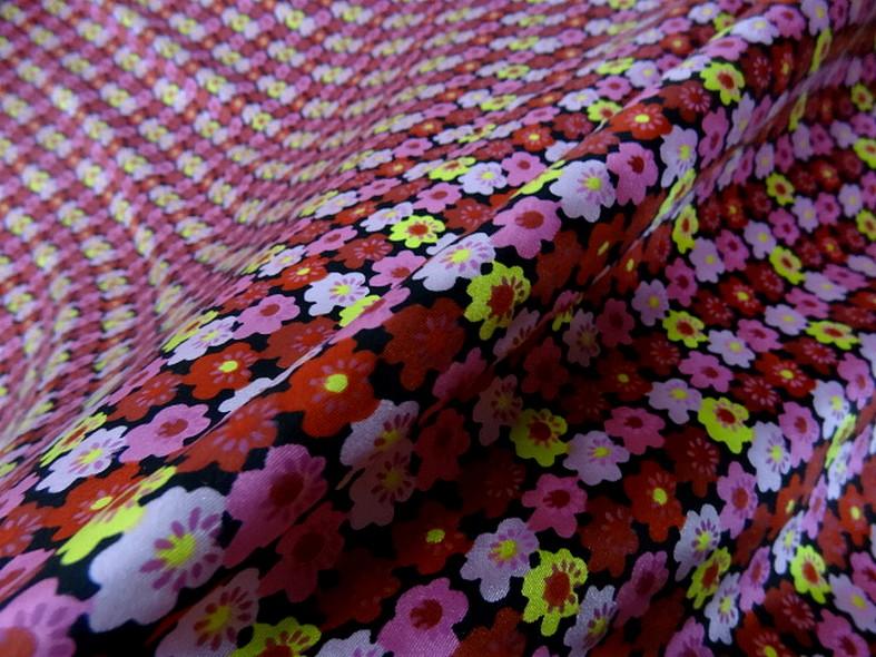 Satin de soie imprime fleuri teintes peps 1