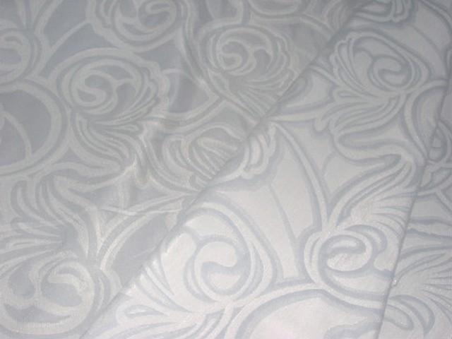 Satin gris bleu motifs volutes 2