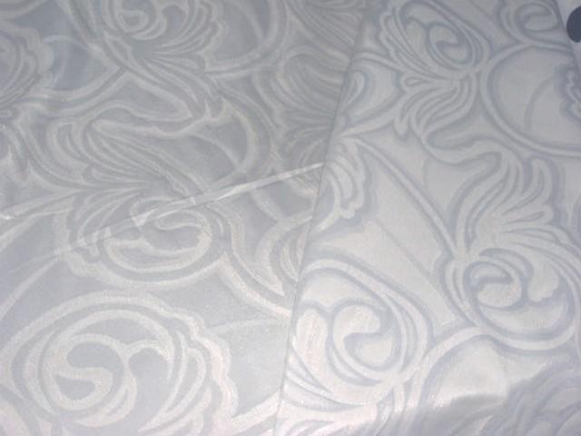 Satin gris bleu motifs volutes 3