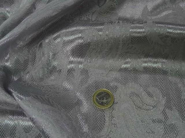 Satin gris metal cachemire et chevrons 4