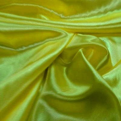 Satin jaune canari poly 1