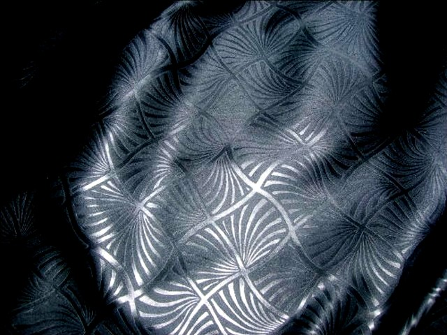 Satin noir lycra motifs japonais 2