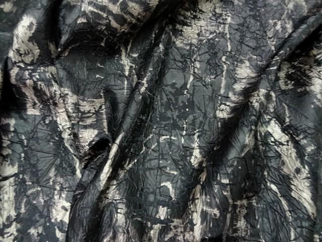 Satin noir marbre froisse effet craquele 4