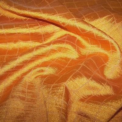 Satin orange clair motif quadrille 1