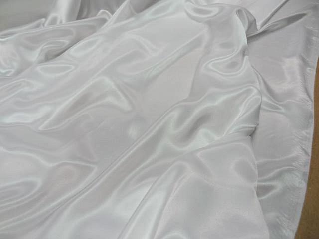 Satin polyester blanc 3
