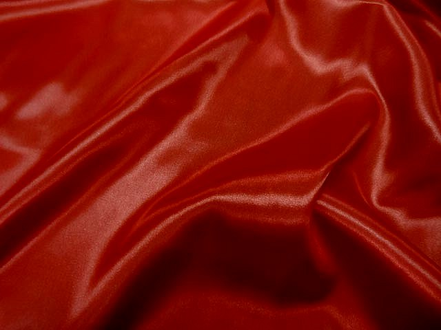 Satin polyester rouge4