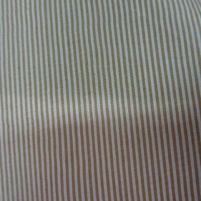 Satin polyester viscose blanc casse raye beige 3
