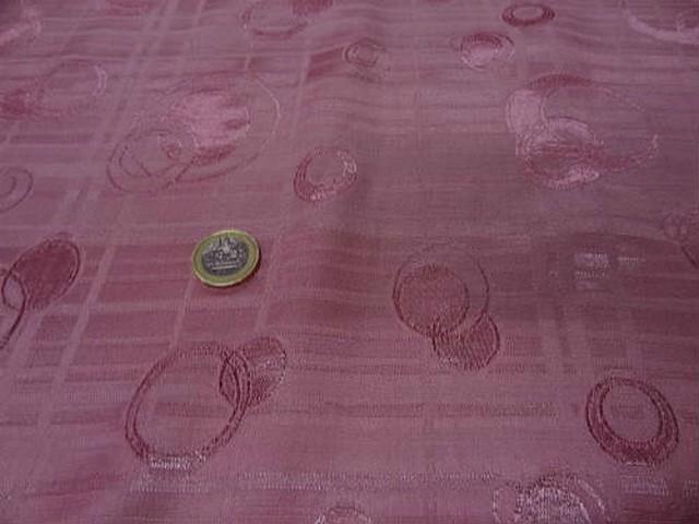 Satin vieux rose motifs anneaux cercle croissant 4