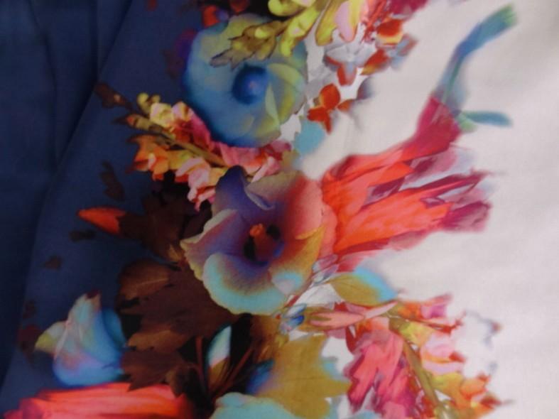 Satin viscose fleurs aquarelle marine et chair clair 2