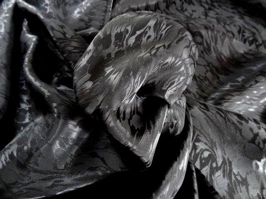 Satin viscose noir 02