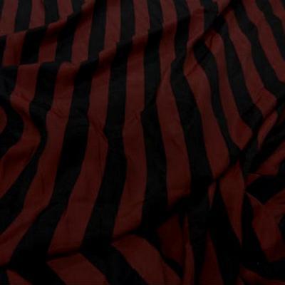 Satine viscose bordeaux a rayure noire7