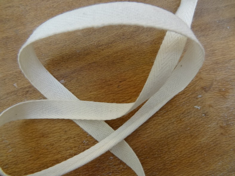 Serge blanc casse 5 mm 1