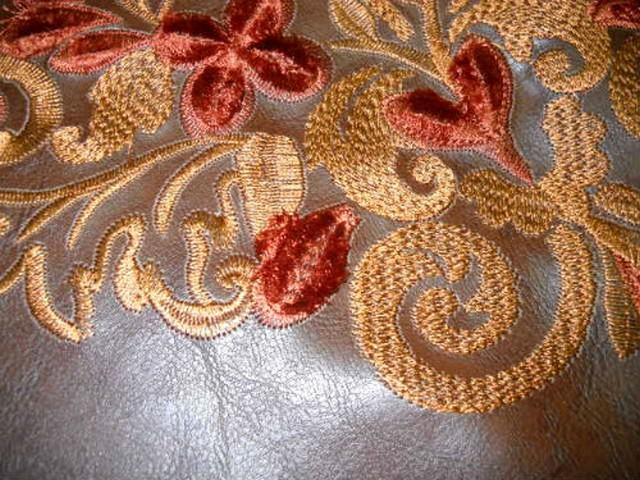 Skai caramel brode motifs classiques 3