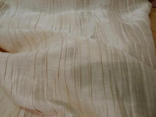 Soie beige avec plisse permanent 3