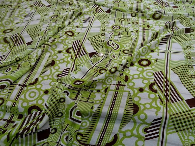 Soie fine creponnee imprimee vintage blanc et vert anis 1