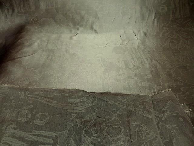 Soie vieil or faconnee effet marbre 2