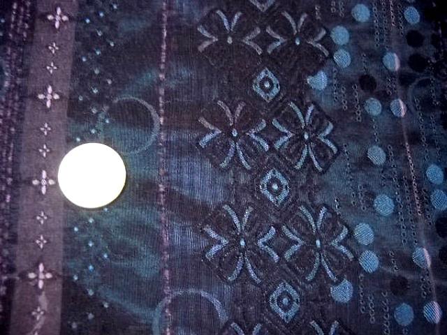 Taffetas bleu paon glycine motif frise de bulles et fleurs 3