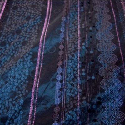 Taffetas bleu paon glycine motif frise de bulles et fleurs 4