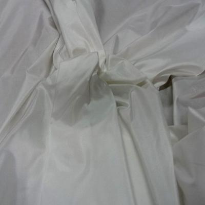 Taffetas de soie blanc 2