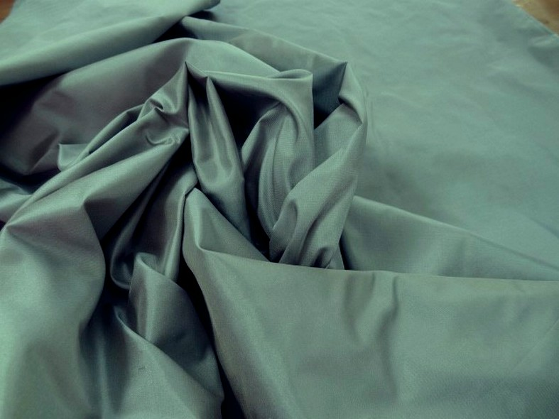 Taffetas de soie bleu acier beige 1
