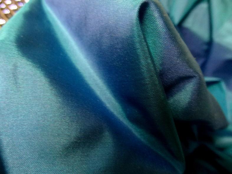 Taffetas de soie bleu vert lumineux et indigo 1