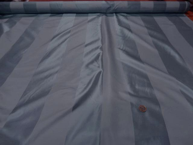 Taffetas de soie larges rayures gris acier