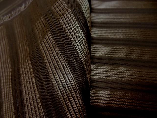 Taffetas de soie marron raye or style empire 1