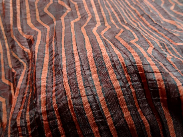 Taffetas fin plisse rayures fantaisie bordeaux corail 3