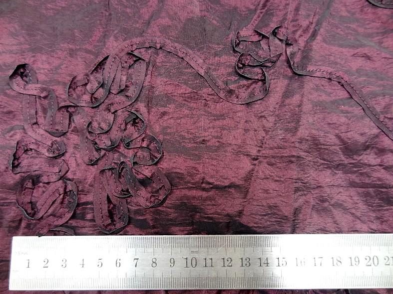 Taffetas froisse prune brode de fleurs laser 2