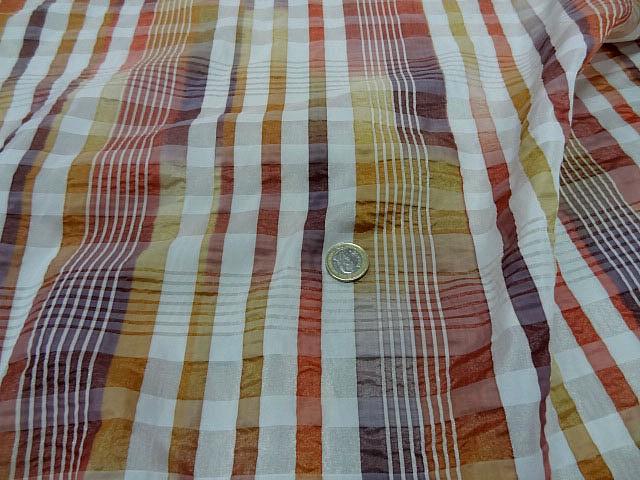 Taffetas gaufre motif madras ocre cuivre 3
