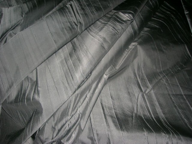 Taffetas gris fer plisse 1