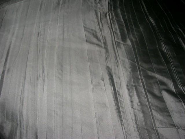 Taffetas gris fer plisse 2