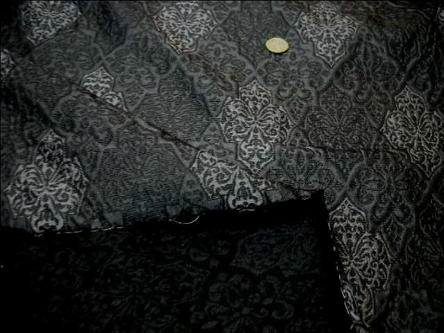 Taffetas gris fonce motifs gris moyen