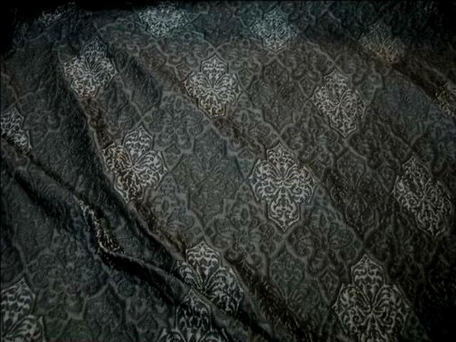 Taffetas gris fonce motifs gris moyen 2