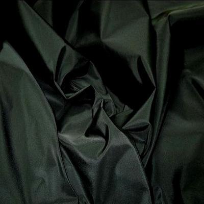 Taffetas noir avec de la tenue 1