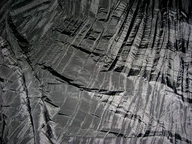 Taffetas noir plissage accordeon 2