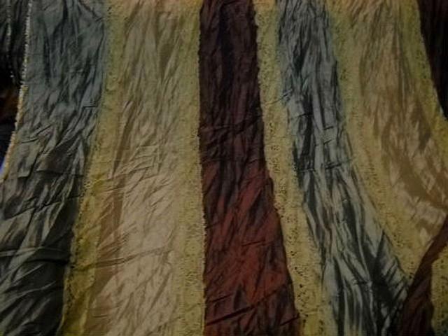 Taffetas plisse rayures kaki or pale marron galon dentelle mais 2