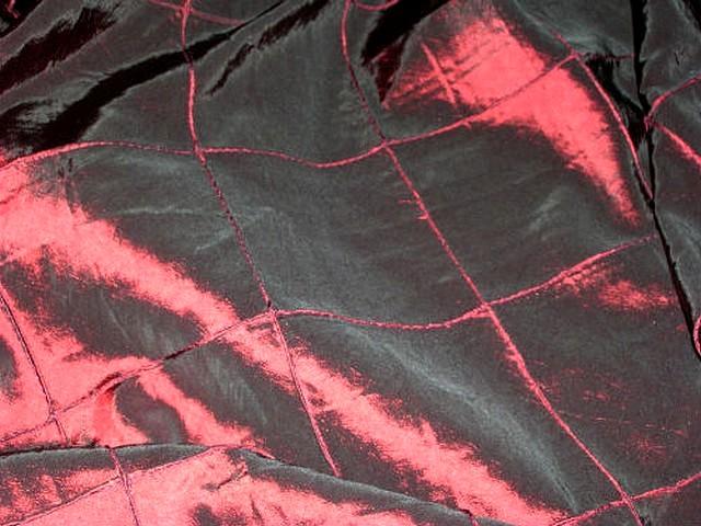 Taffetas rouge bordeaux coutures arlequin 1