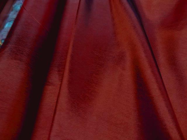 Taffetas rouge souple reflets 2
