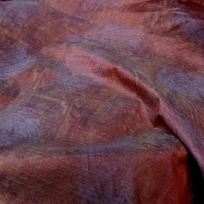 Tissu ameublement satine marbre corail et violet gris 1