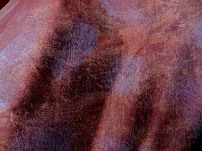Tissu ameublement satine marbre corail et violet gris 8