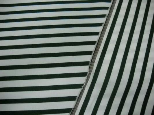 Tissu chaise longue blanc rayé vert sapin