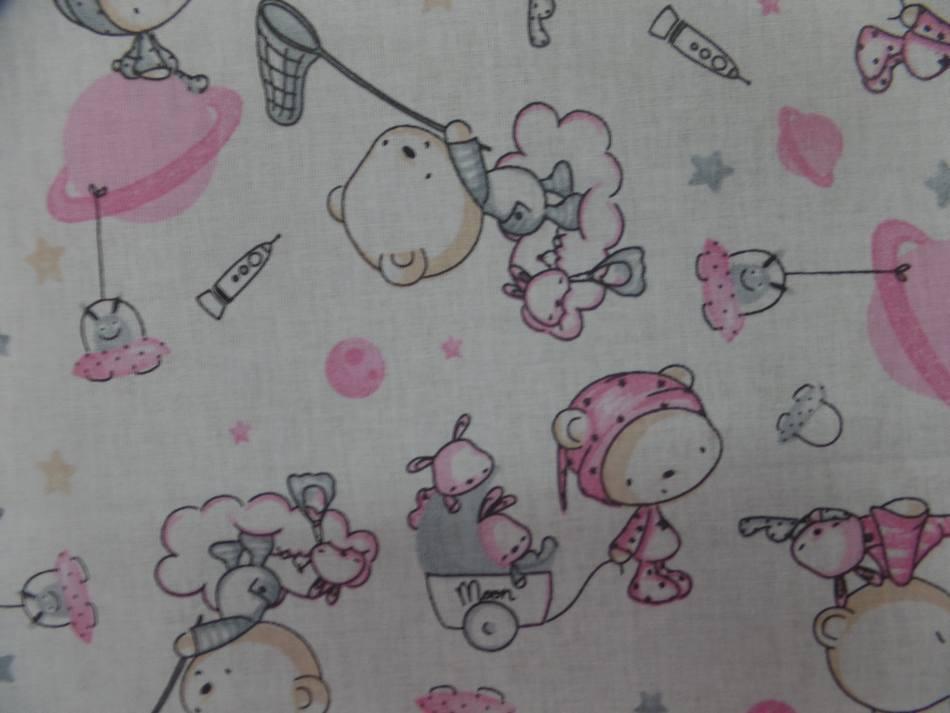 Tissu coton blanc imprime motifs enfant rose gris