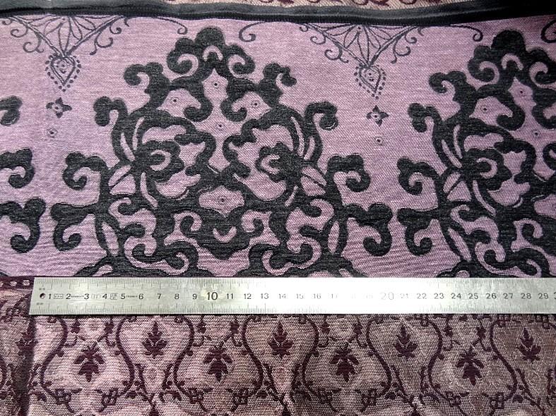 Tissu d ameublement damas prune et noir 3