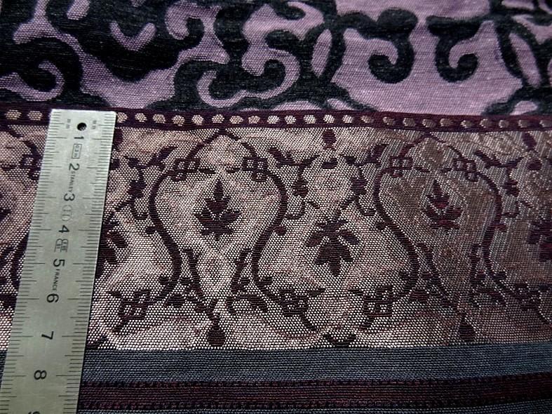 Tissu d ameublement damas prune et noir 4