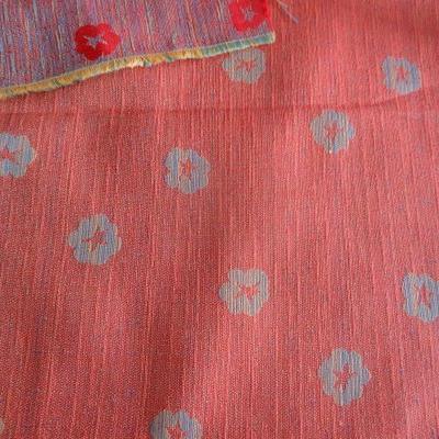 Tissu damassé orange chiné bleu 01