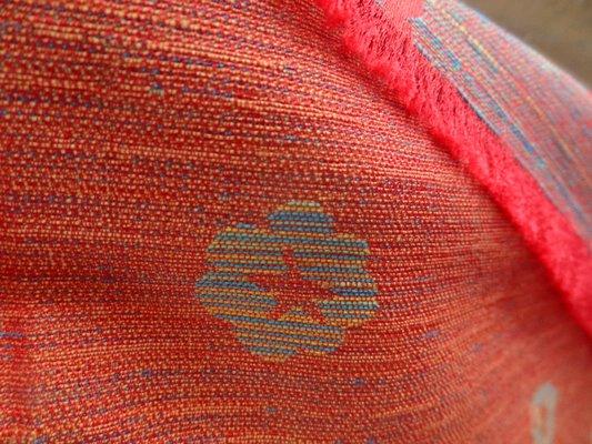 Tissu damassé orange chiné bleu 03