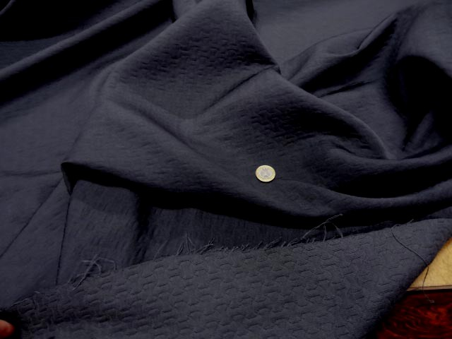 Tissu damasse gris motifs croisillons