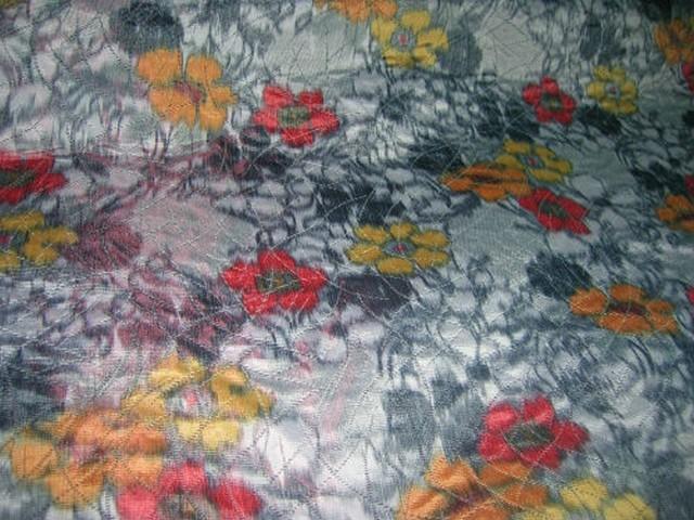 Tissu epais tissage taffetas gris fleuri 2