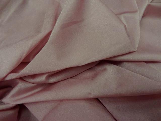 Tissu lycra rose petale 4